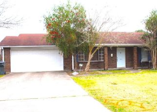 Pre Foreclosure in Lake Charles 70605 UNIVERSITY DR - Property ID: 1693944751