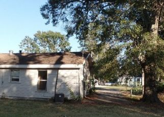 Pre Foreclosure in Lake Charles 70601 MAYO ST - Property ID: 1693953955