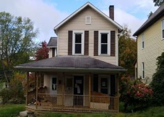 Pre Foreclosure in Oil City 16301 HOFFMAN AVE - Property ID: 1694266659