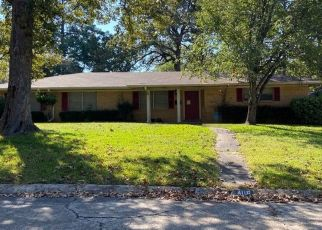 Pre Foreclosure in Lufkin 75901 ENGLEWOOD DR - Property ID: 1694270150