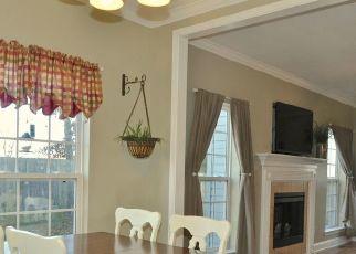 Pre Foreclosure in Lenoir City 37771 HILLSIDE LN - Property ID: 1694811493