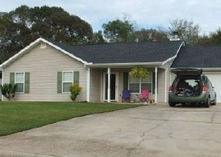 Pre Foreclosure in Gillsville 30543 ROLLING RIDGE DR - Property ID: 1695336629