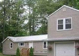 Pre Foreclosure in Casco 04015 THOMAS POND SHORE RD - Property ID: 1695634898
