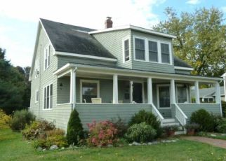 Pre Foreclosure in South Portland 04106 DREW RD - Property ID: 1695638388