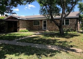 Pre Foreclosure in Perryton 79070 S LOYOLA ST - Property ID: 1696052268