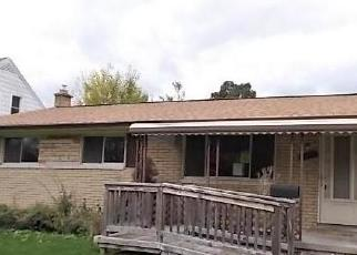 Pre Foreclosure in Garden City 48135 HARRISON ST - Property ID: 1696273451