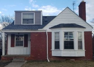 Pre Foreclosure in Detroit 48224 WAYBURN ST - Property ID: 1696307612