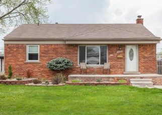 Pre Foreclosure in Southgate 48195 CHURCHILL ST - Property ID: 1696311107