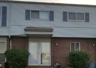 Pre Foreclosure in Detroit 48207 MCDOUGALL ST - Property ID: 1696379886