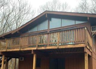 Pre Foreclosure in Bushkill 18324 FOX RD - Property ID: 1696609376