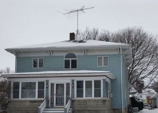 Pre Foreclosure in Carlyle 62231 LIVINGSTON ST - Property ID: 1696681196