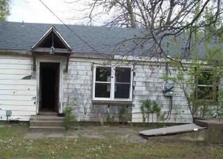 Pre Foreclosure in Ponca City 74601 N PEACHTREE ST - Property ID: 1697255385