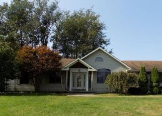 Pre Foreclosure in Coal Township 17866 W CHESTNUT ST - Property ID: 1697304441