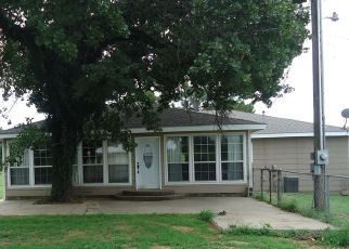 Pre Foreclosure in Shawnee 74801 HARDESTY RD - Property ID: 1697435845
