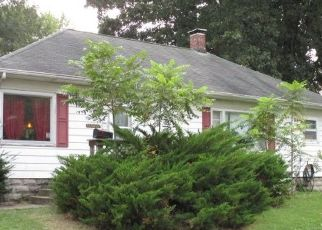 Pre Foreclosure in Centralia 62801 N BEECH ST - Property ID: 1698495738