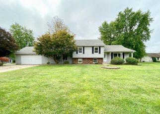 Pre Foreclosure in Hillsboro 62049 MULLIGAN DR - Property ID: 1698510181