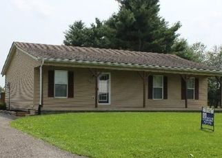 Pre Foreclosure in Hustonville 40437 HOLTZCLAW LN - Property ID: 1698573697