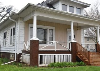 Pre Foreclosure in Racine 53405 HAYES AVE - Property ID: 1701039488
