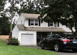 Pre Foreclosure in Stamford 06905 LITTLE HILL DR - Property ID: 1701544917