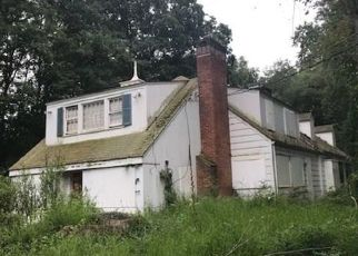 Pre Foreclosure in Stamford 06903 MAYAPPLE RD - Property ID: 1701547532