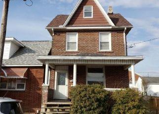 Pre Foreclosure in Waynesboro 17268 E 5TH ST - Property ID: 1701971494
