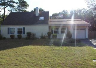 Pre Foreclosure in Medford 11763 WHITE PINE WAY - Property ID: 1702081424