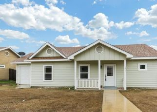 Pre Foreclosure in Kerrville 78028 JASPER LN - Property ID: 1702359539
