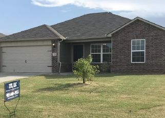 Pre Foreclosure in Broken Arrow 74014 E 93RD CT S - Property ID: 1703140893