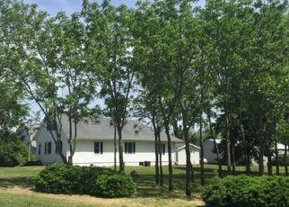 Pre Foreclosure in Sheldon 60966 E 1500 NORTH RD - Property ID: 1703303368