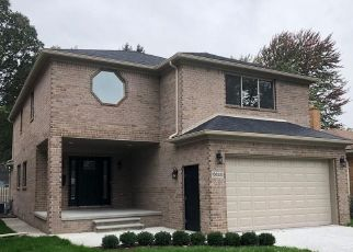 Pre Foreclosure in Dearborn Heights 48127 FENTON ST - Property ID: 1703634480
