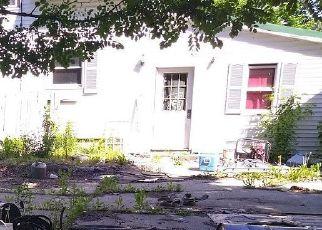 Pre Foreclosure in Clinton 04927 RAILROAD ST - Property ID: 1703807930