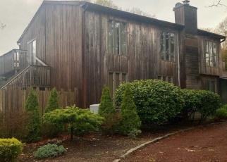 Pre Foreclosure in West Islip 11795 3RD ST - Property ID: 1704040483