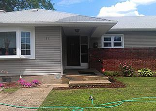 Pre Foreclosure in Freeport 11520 LAURETTE LN - Property ID: 1704074649