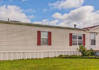 Pre Foreclosure in Oxford 34484 NE 107TH RD - Property ID: 1704682100