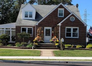 Pre Foreclosure in Sayreville 08872 PULASKI AVE - Property ID: 1704988702