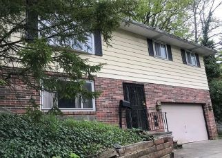 Pre Foreclosure in Euclid 44117 UPPER VALLEY DR - Property ID: 1705204623