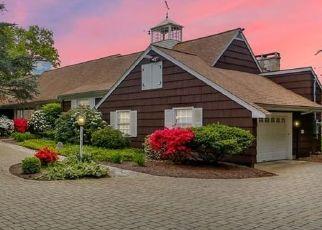 Pre Foreclosure in Easton 06612 SUNNY RIDGE RD - Property ID: 1705492361