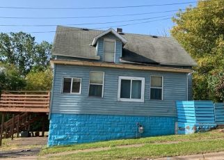 Pre Foreclosure in Duluth 55806 N 11TH AVE W - Property ID: 1705546226