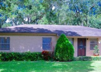 Pre Foreclosure in Tampa 33617 TARPON DR - Property ID: 1705718357