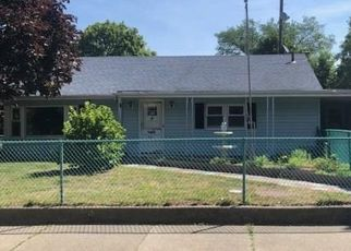 Pre Foreclosure in New Bedford 02746 SHAWMUT AVE - Property ID: 1705778357