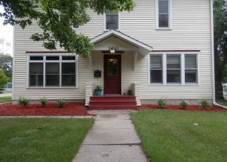 Pre Foreclosure in Grinnell 50112 4TH AVE - Property ID: 1706068747