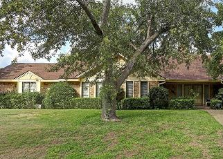 Pre Foreclosure in Duncanville 75137 SPRING LAKE DR - Property ID: 1706465994