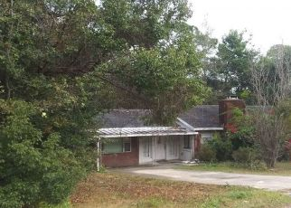 Pre Foreclosure in Debary 32713 PLANTATION RD - Property ID: 1706835636
