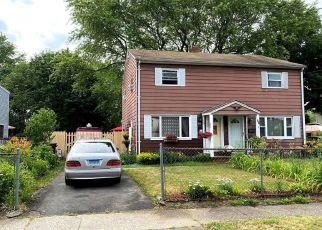 Pre Foreclosure in Stratford 06615 LARKIN CT - Property ID: 1707086144