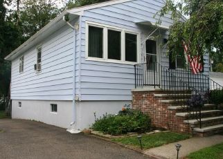 Pre Foreclosure in East Haven 06512 EDEN ST - Property ID: 1707091854