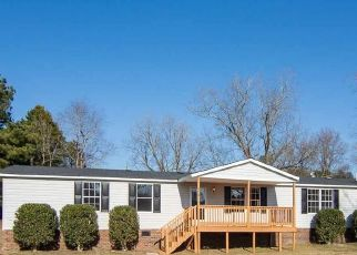 Pre Foreclosure in Angier 27501 RAEFORD RD - Property ID: 1707168493