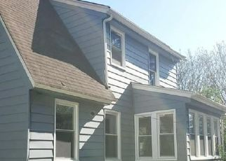Pre Foreclosure in Portsmouth 23702 GILLIS RD - Property ID: 1707208342