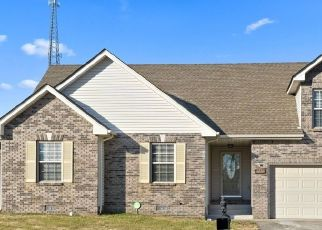 Pre Foreclosure in Clarksville 37040 CENTERSTONE CIR - Property ID: 1707694947