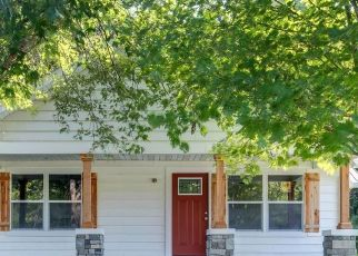 Pre Foreclosure in Westmoreland 37186 OLD HIGHWAY 31 E - Property ID: 1707702829