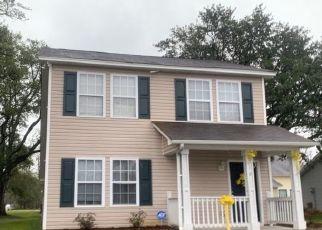 Pre Foreclosure in Wilmington 28405 SHORTFIN DR - Property ID: 1707739616